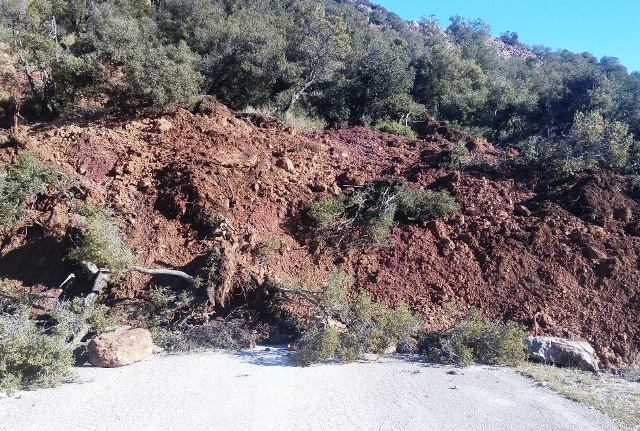 Landslide in Moira, Greece (source: achaianews.gr)